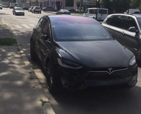 Tesla model X аренда в Харьове